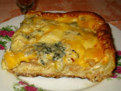 Пирог с грушами и сыром «Рокфор»