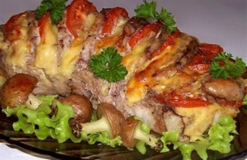 """К празднику: свинина, запеченная """"гармошкой"""", с картофельными """"грибочками"""""""