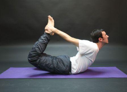 Йога для мужчин: 5 полезных поз
