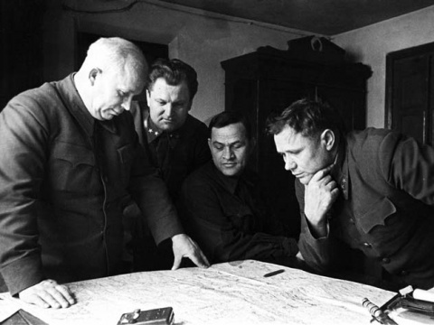 Как Хрущев объявил войну вор…