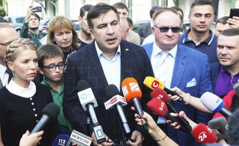 Саакашвили отвесил Порошенко…