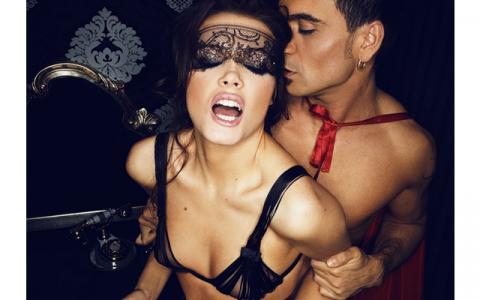 Достоинства и недостатки секса со зрелой женщиной