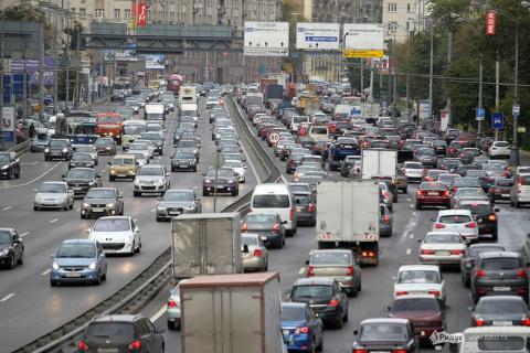 Первую платную трассу в Моск…