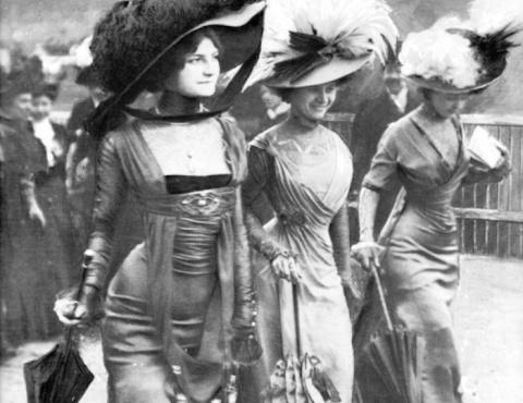 «Полуголые» платья, или Почему из истории моды «специально» вычеркнули имя их создательницы