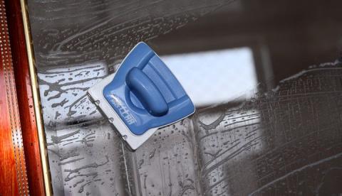Как отмыть оконные рамы быст…