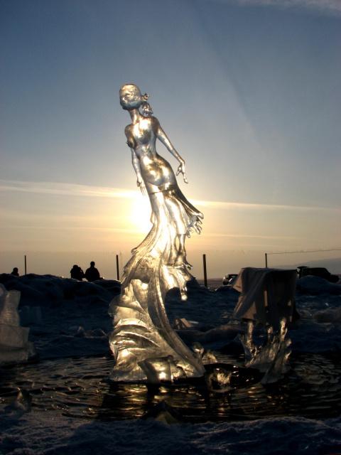 Ангара.п Листвянка 2011г, конкурс ледяных скульптур