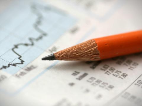Как переключить внимание россиян с депозитов на фондовый рынок? 5 идей Минфина