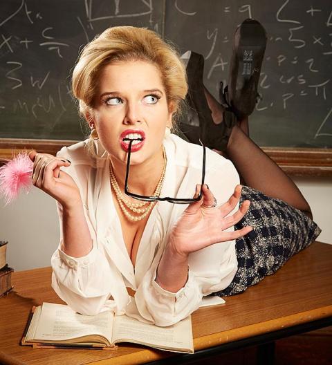 """""""Меня соблазнила учительница..."""""""