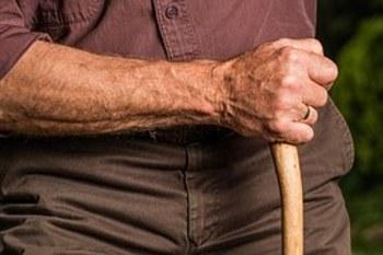 Как пожилому человеку можно …