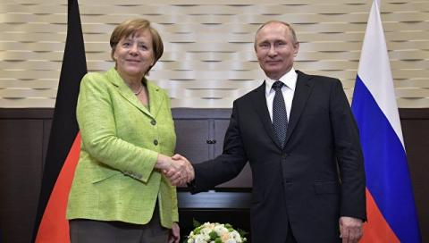 Меркель попросила Путина обе…
