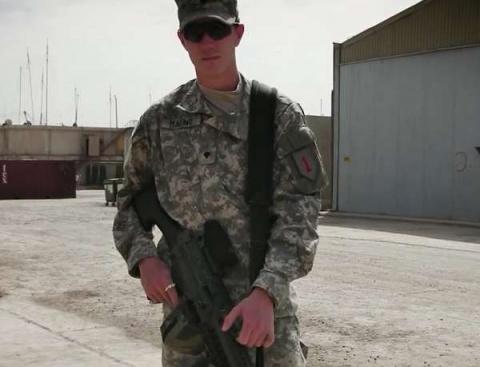 Кот чудом спас военного из США от самоубийства и стал его ...