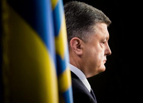 Что стоит за информационными атаками на Порошенко?