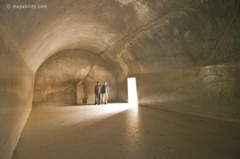 Пещеры Барабар - какое у них было назначение?