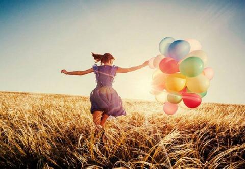 взлететь вверх на крыльях счастья