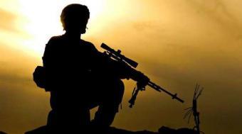 Снайпер уничтожает украински…