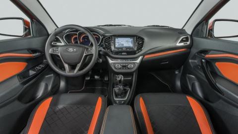 Интерьер «внедорожной» Lada Vesta: получилось практично и ярко