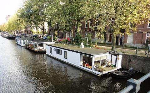 Плавучие дома Амстердама: эффективное решение жилищной проблемы