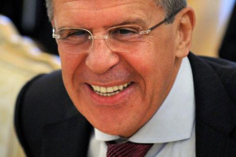 Лавров предложил ввести войска на Украину