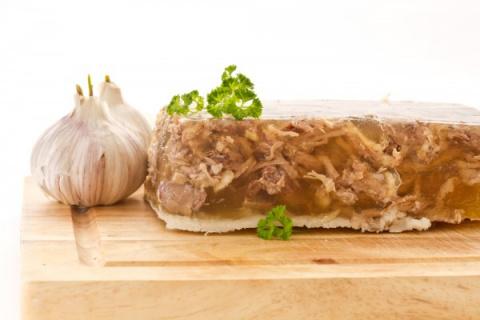 Новогодние рецепты: Мясной холодец ассорти