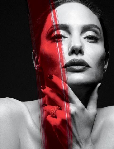 Первая фотосессия Анджелины Джоли после развода  —  седина и усталый взгляд