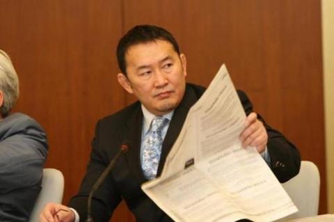 Президент Монголии дал олига…