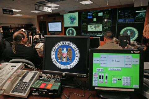 Несмотря на запрет, АНБ удал…