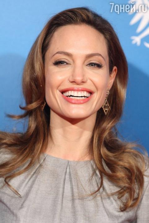 СМИ: Анджелина Джоли снова станет мамой