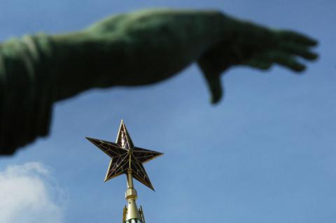 «Руку Москвы» приложили ко всему