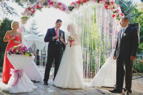 Свадьба в кредит за миллион, чтоб земля дрожала и инстаграм бомбануло!!!