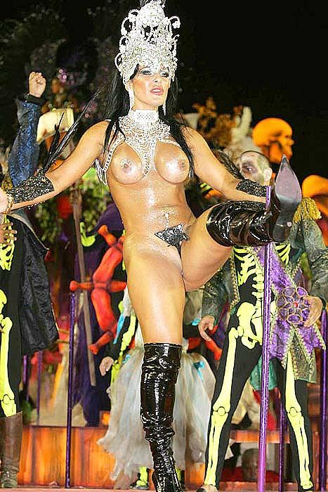 Женский беспредел на карнавале в Рио-де-Жанейро!!!