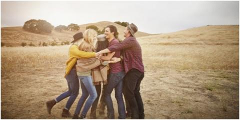 Зачем люди обнимаются