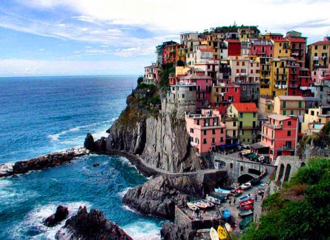 8 городов, построенных на скалах