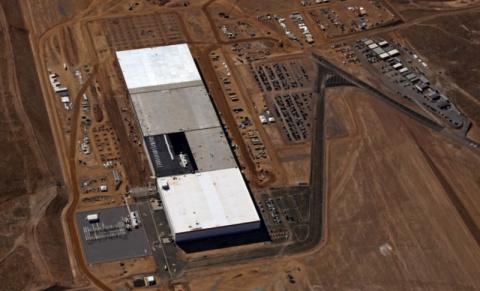 Тесла открывает самую большую фабрику в мире