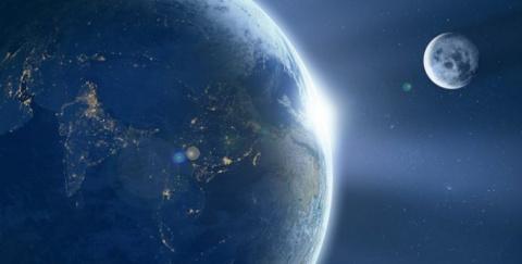 Уфологи раскрыли тайну спутника Земли: Луна является «кораблем пришельцев»