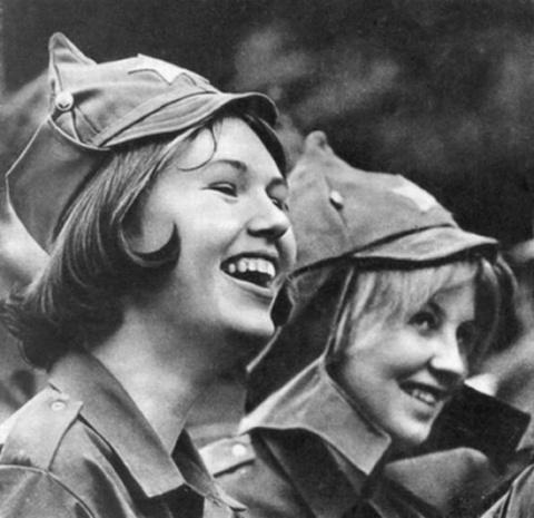 Девушки СССР, какие они были? Любуемся, друзья.