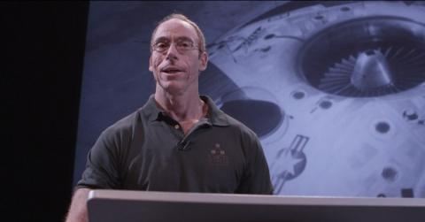 Американский уфолог Стивен Грир уверен, что мировые державы скрывают инопланетные технологии