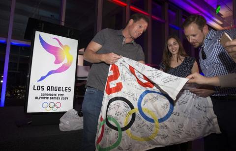Кампания США против спортсменов РФ уменьшит шансы Лос-Анджелеса принять ОИ-2024