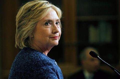 Клинтон давно болеет: она за…