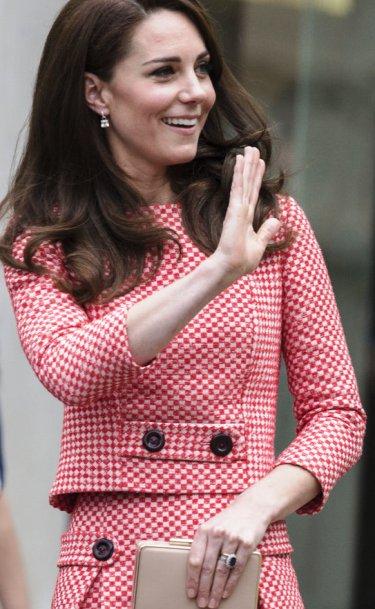 Королевский стиль — новые модные образы Кэтрин герцогини Кембриджской