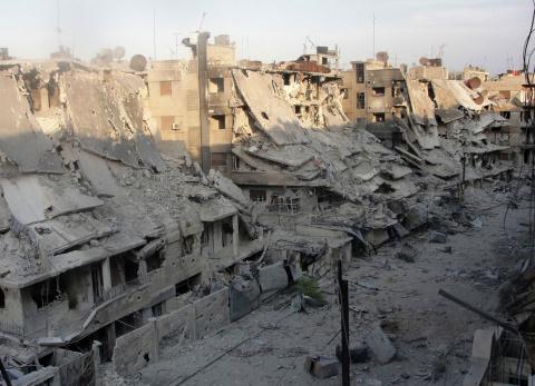 Тела 61 человека извлекли из-под завалов разрушенного здания в Мосуле