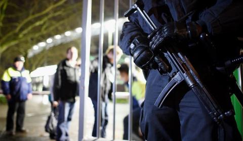 Охранник застрелил коллегу в…