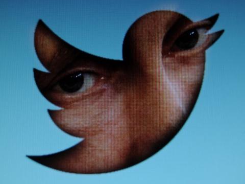 Сотнисотрудников Twitter получают зарплату запросмотр личных сообщений пользователей