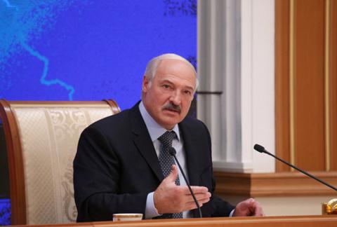 Дешевая политика: почему Лукашенко «бомбит» Россию