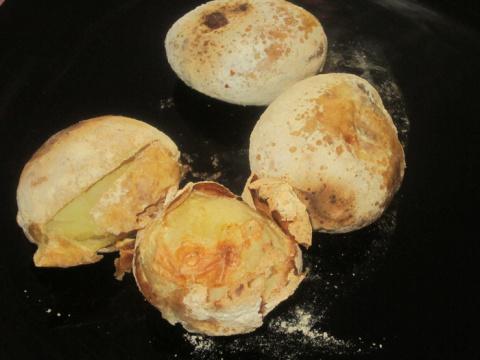 Картошка печеная в муке и соли