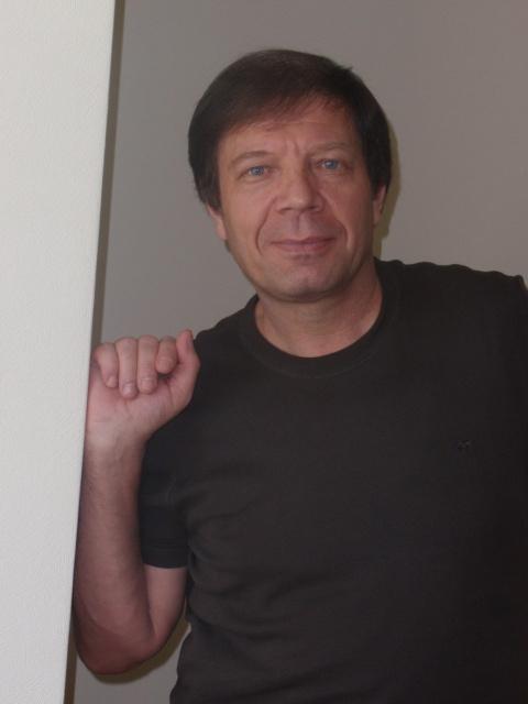 Анатолий Дедю