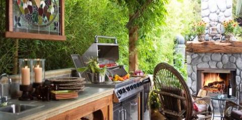 Кухня на свежем воздухе – большой плюс к даче любого размера