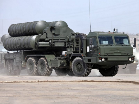 Длинные пальцы Путина: ракет…
