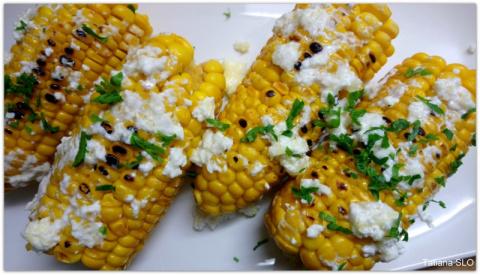 Молодая кукуруза с сыром фета и чесноком