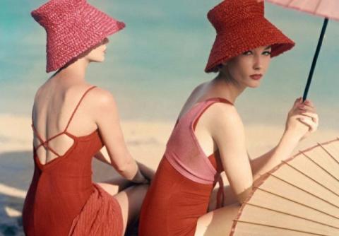 Пляжная мода: уникальные фотографии с пляжей середины прошлого века