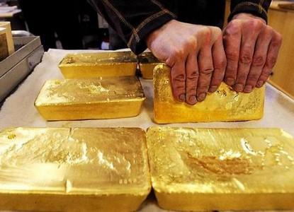 Любовь Путина к золотым слит…